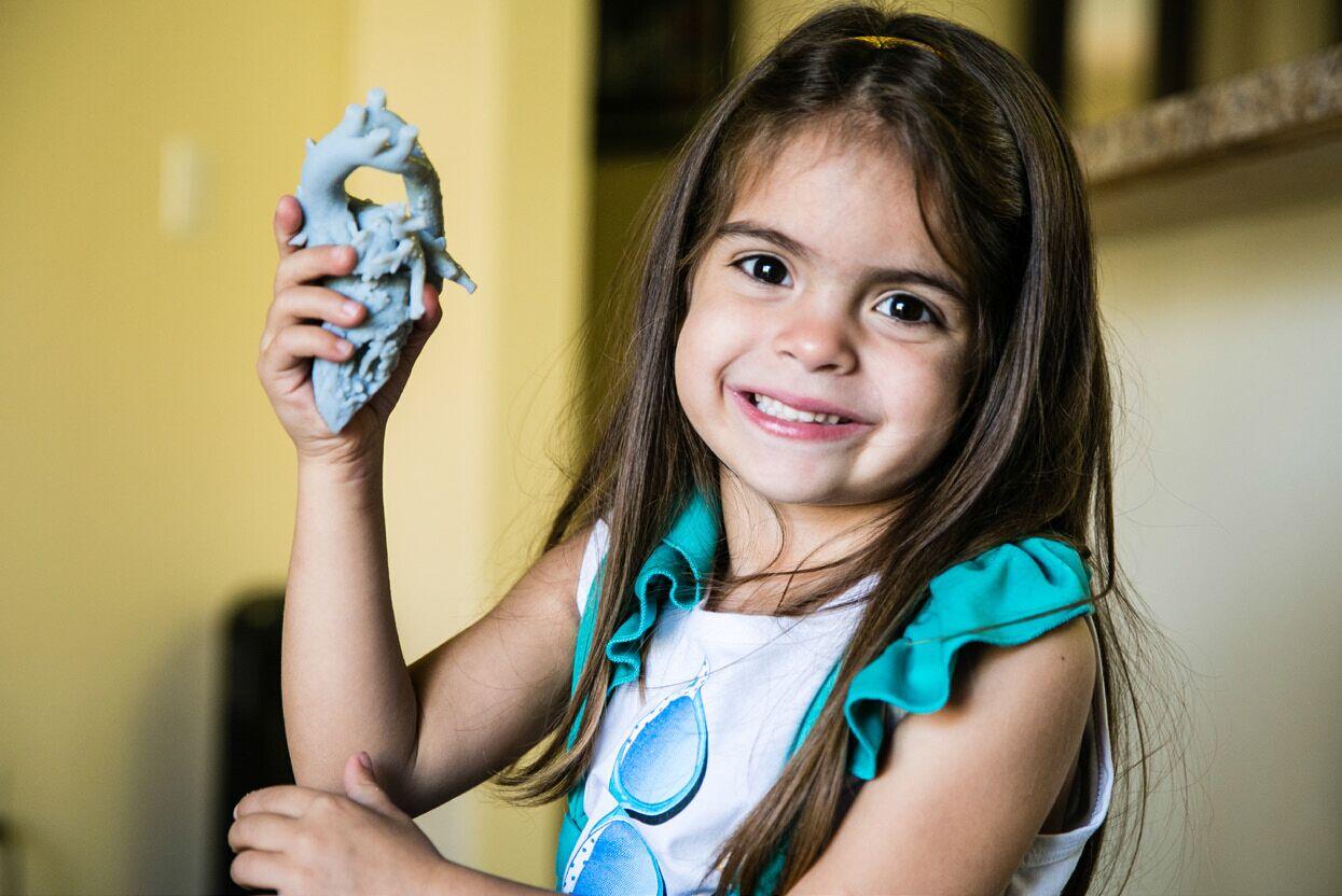 STRATSYS 3D打印机 重造年轻心脏 STRATASYS 帮助外科手术挽救更多儿童